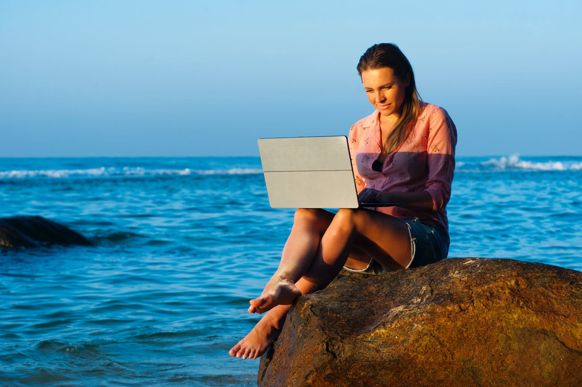 Top 10 Devices for Traveling Freelance Tech Writers